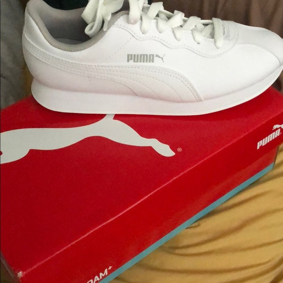 Puma Shoes   New White S Junior Size